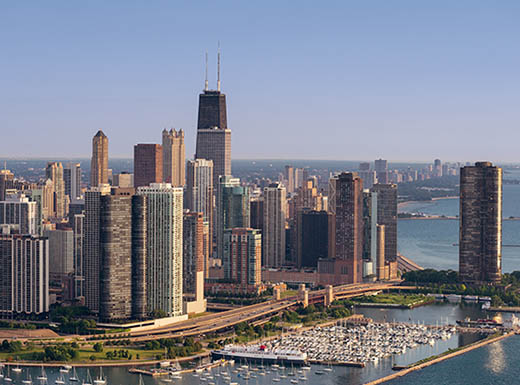 Aerial view of lakeshore drive curve in Chicago, IL