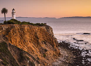 A coastal view of Vicente Point Rancho Palos Verdes, Los Angeles, CA at sunset.